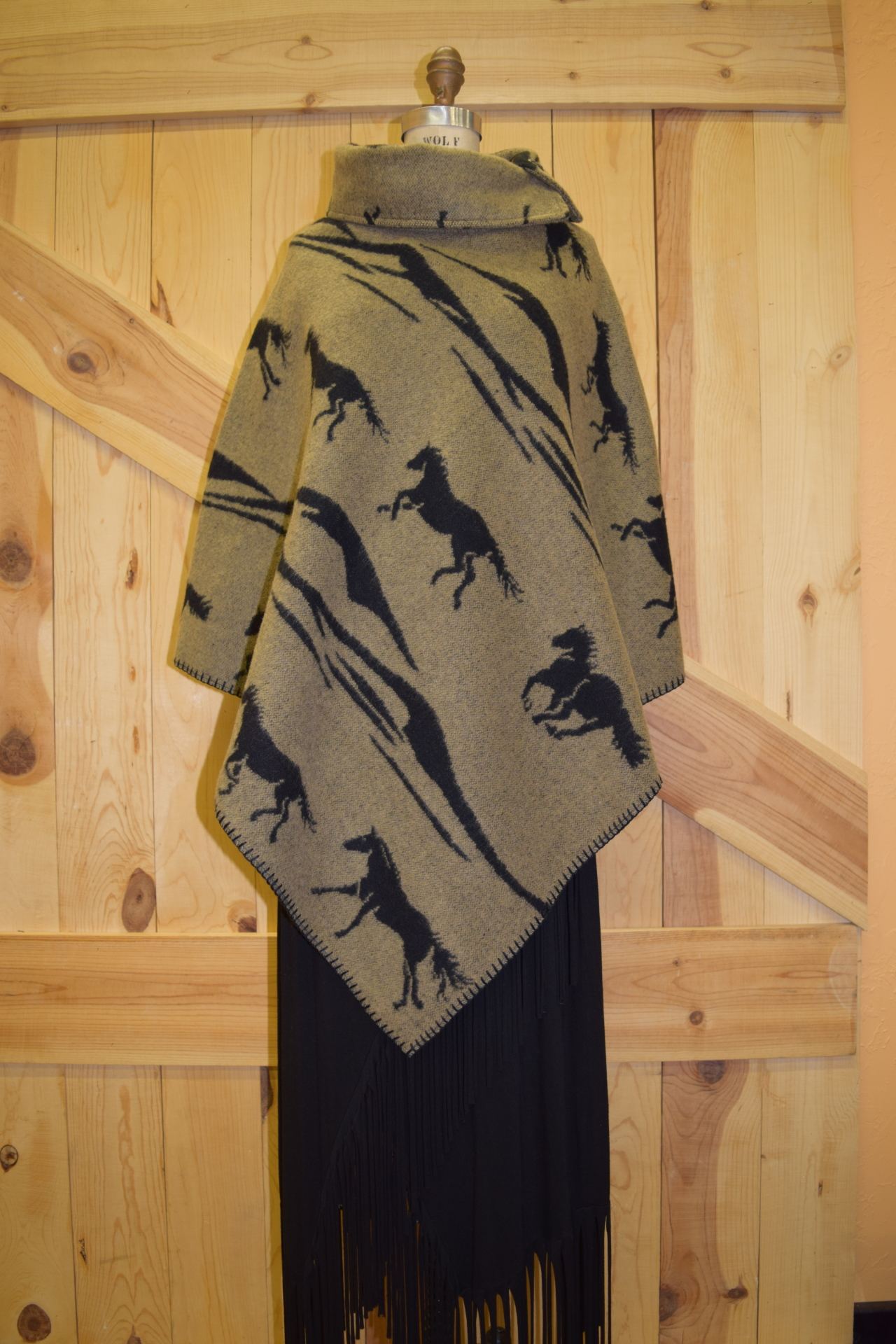 "#208MU2 - TAUPE/BLK HORSE BRANDS BUTTON COLLAR 30"" PONCHO - O/S - WAS $129.95 -- NOW $99.95"