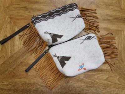 #B08F - PW -- WHITE POCAHONTAS WRISTLET CLUTCH BAG - $89.95