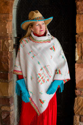 #208IDW - WHITE INDIAN DREAMS BUTTON COLLAR PONCHO - O/S --$129.95